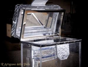 Plexiglass Accessory with Luxury Leather and Mirror - Accessorio in plexiglass con pelle pregiata e specchio